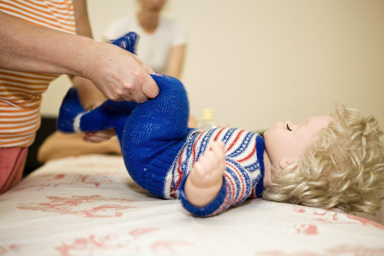 Чем полезен детский массаж