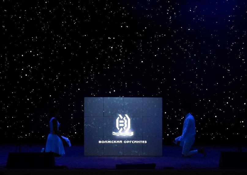 Как красиво представить логотип компании?, изображение №4