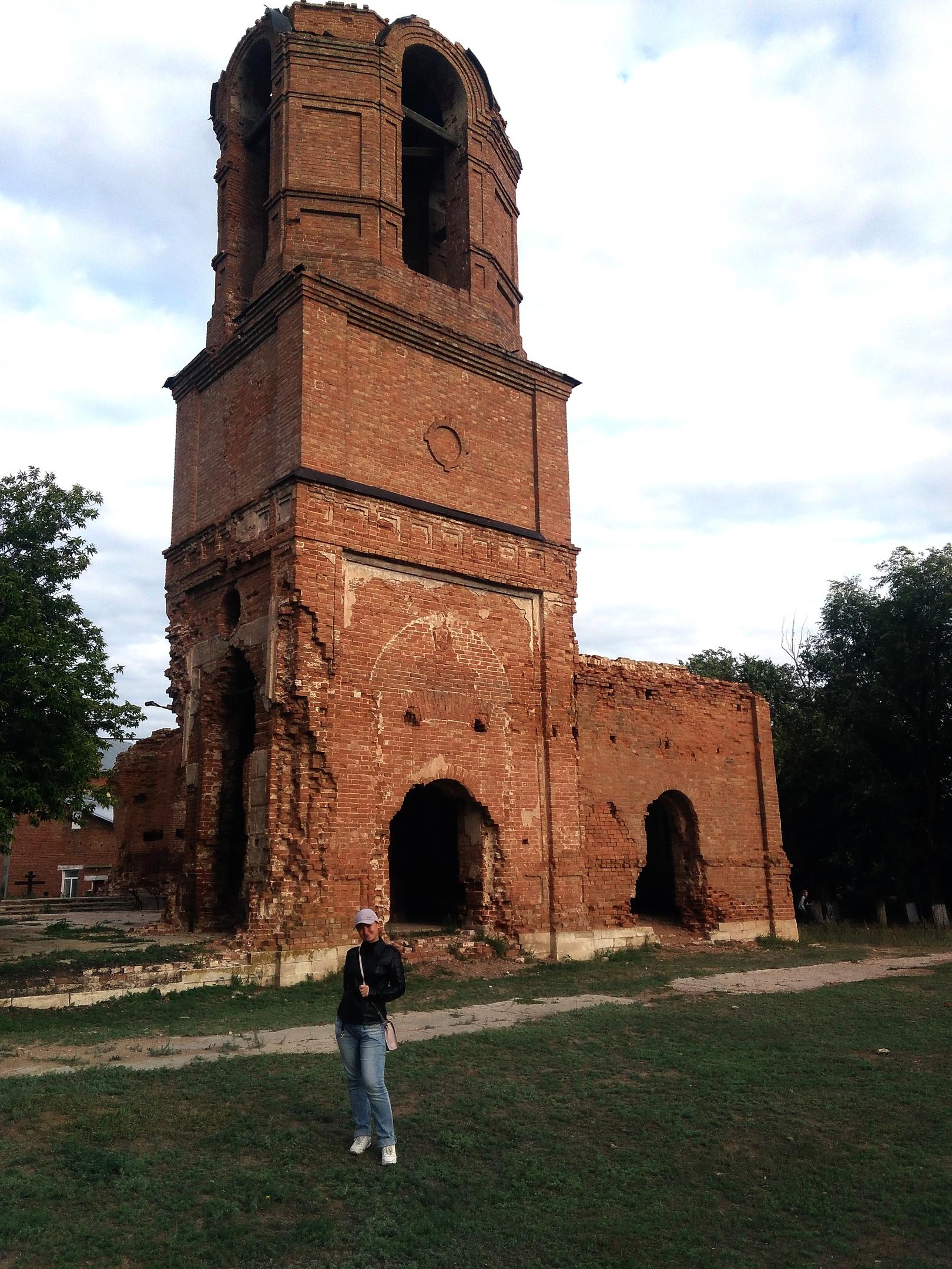Старинный казачий храм в Угольном