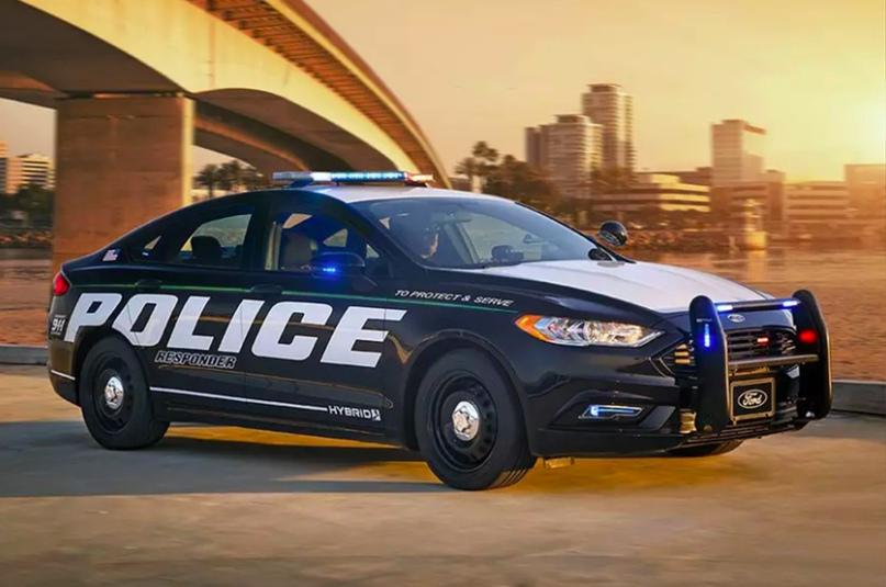 История полицейских авто Америки, изображение №14
