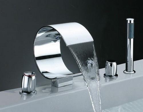 Смесители на борт ванны: особенности приборов и их установки, изображение №3