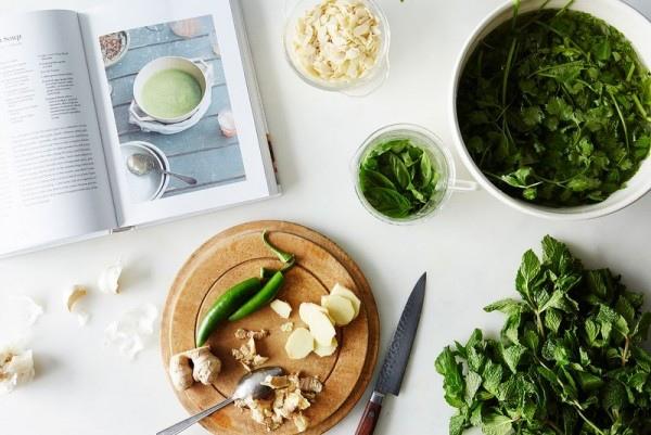 Пикантный зеленый суп, изображение №2