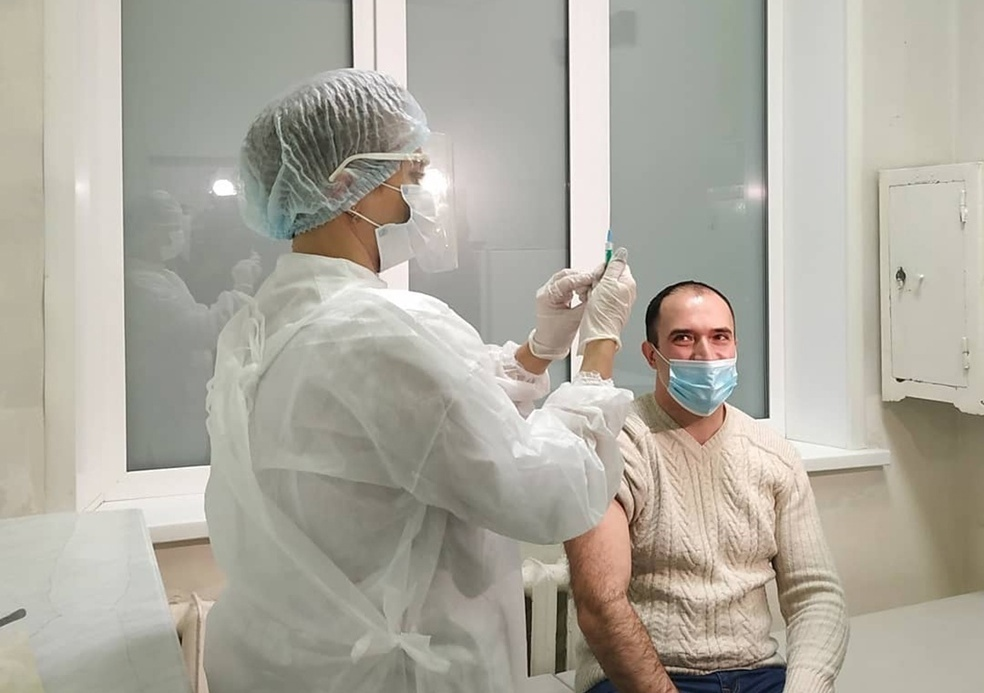 Вакцинация от коронавируса в Тольятти продолжается