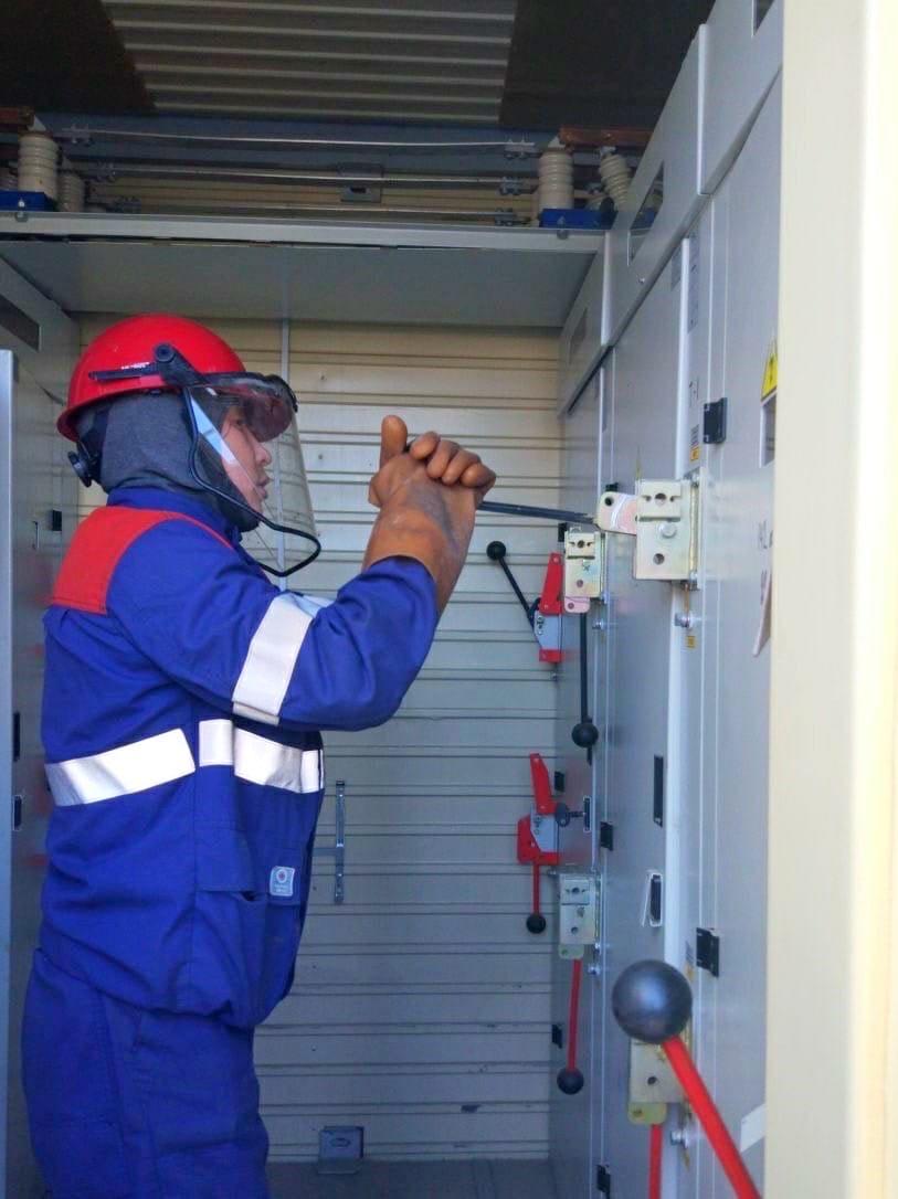 В связи с необходимостью проведения аварийно - восстановительных работ на трансформаторной подстанции будет временно прекращено электроснабжение следующих объектов: