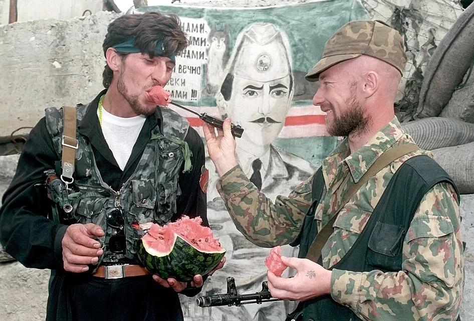 На блок-посту чеченских боевиков. Фото: Владимир ВЕЛЕНГУРИН